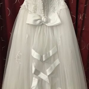 Michelangelo David's Bridal Wedding Dress Size 8